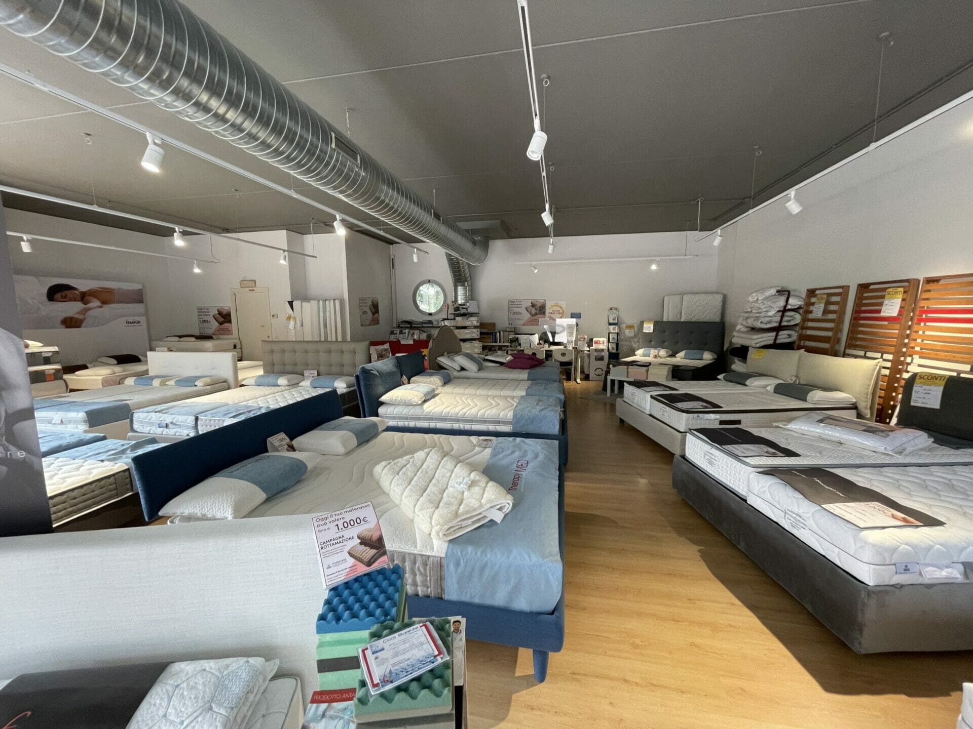 Materassimegastore Punto vendita Varese Via Caracciolo 8