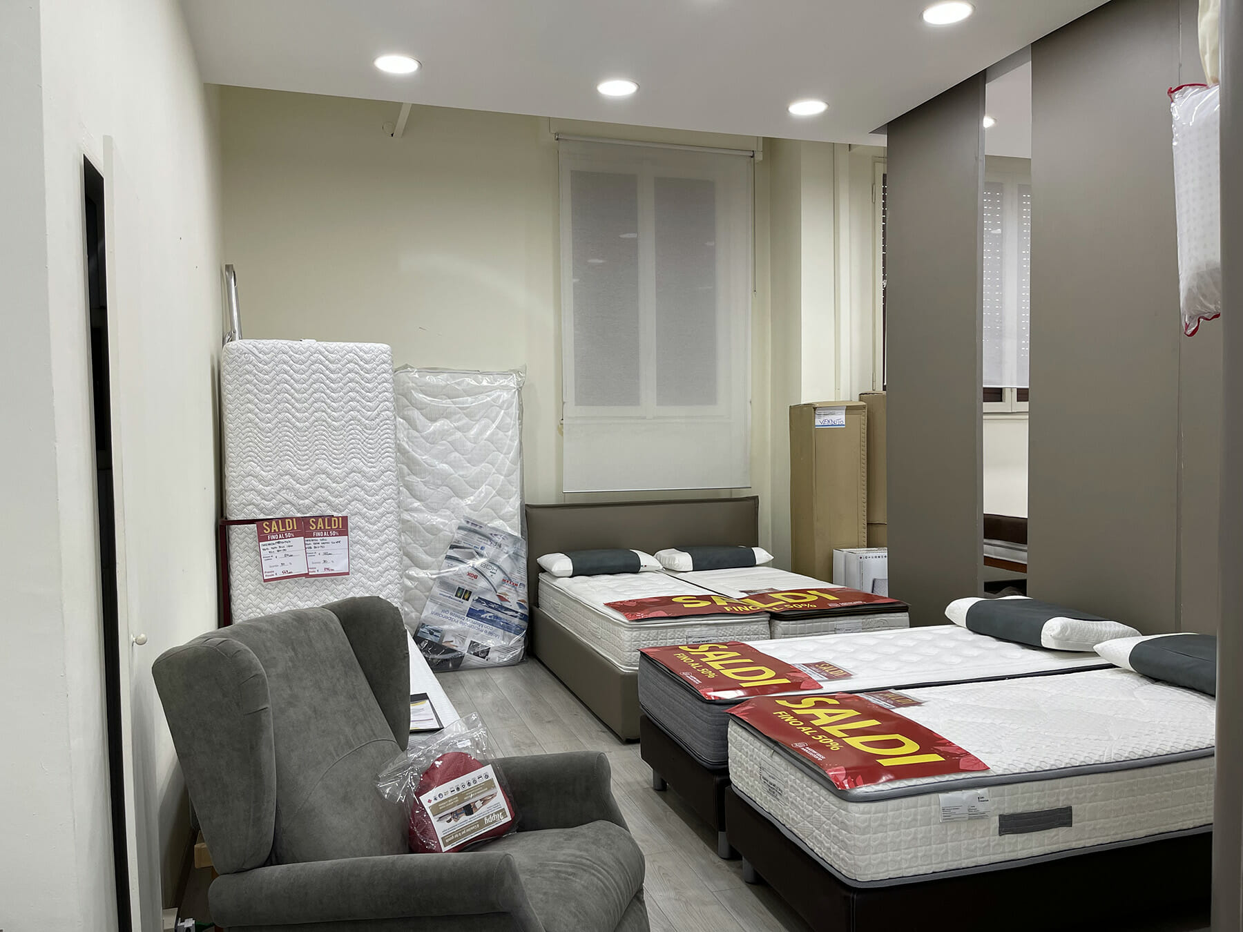 Materassimegastore Punto vendita Milano Lorenteggio 4